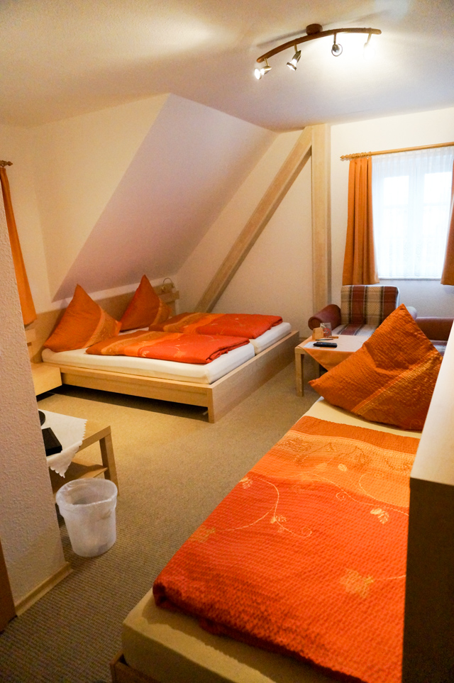 Dreibettzimmer1.jpg